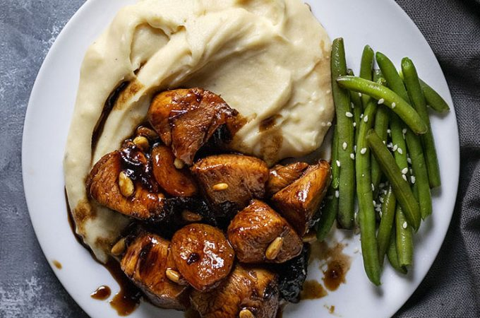 Healthy Honey-Balsamic skillet chicken with dried fruit