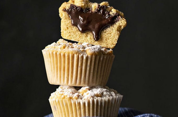 Tahini & Chocolate (or Nutella) stuffed crumble muffins feat.