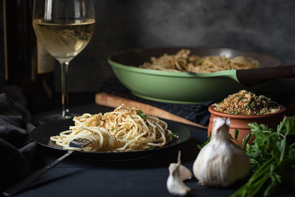 Italian toasted breadcrumb and garlic pasta 4