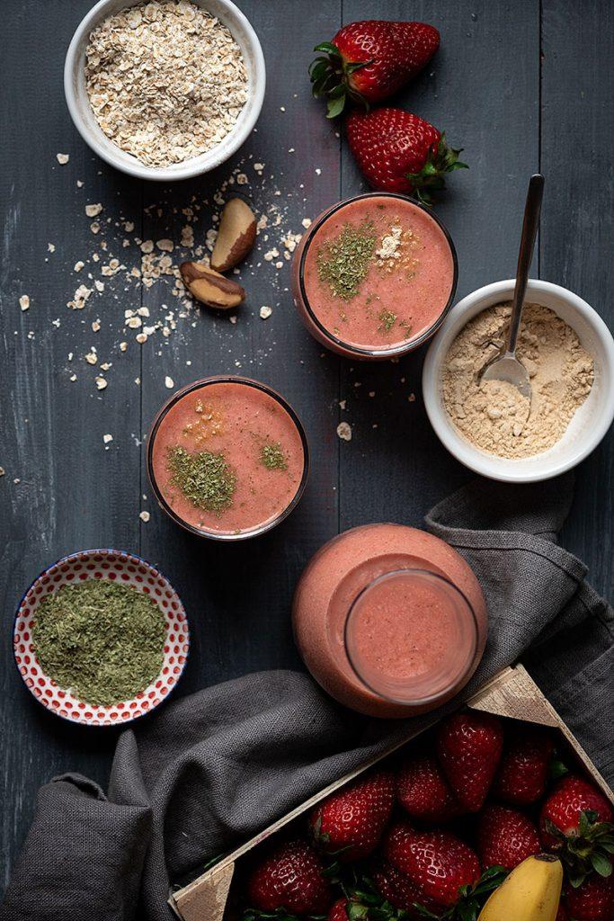 Banana strawberry smoothie recipe with adaptogens 2