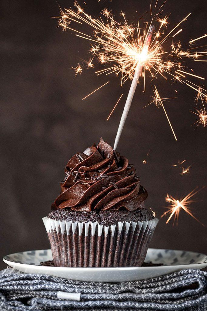 Moist chocolate cupcake recipe (and a Mascarpone frosting) 2