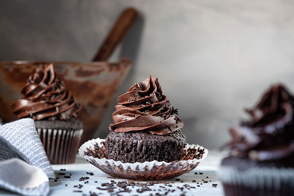 Moist chocolate cupcake recipe (and a Mascarpone frosting) 4