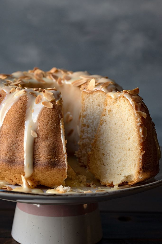 Easy white chocolate and vanilla bundt cake recipe 3