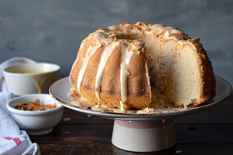Easy white chocolate and vanilla bundt cake recipe 4