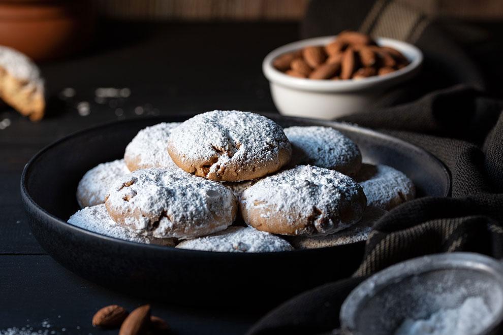 Snowball cookies recipe (Greek Kourabiedes) 4