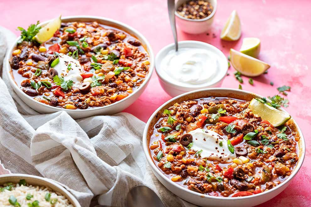 two bowls of healthy turkey chili