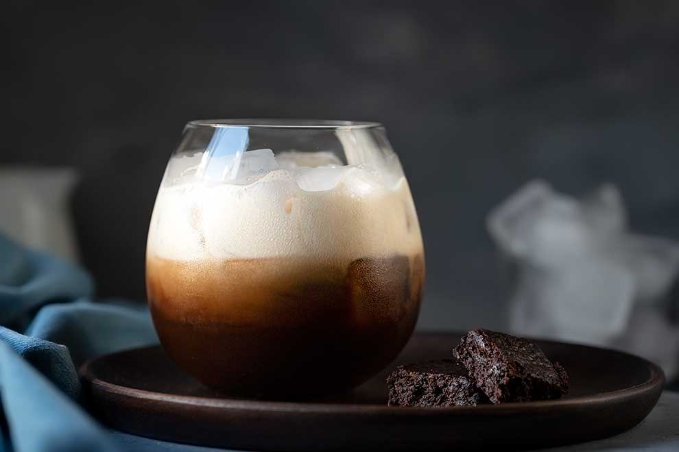 White Russian cocktail vegan