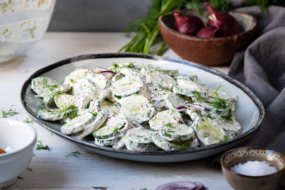 creamy cucumber salad with yogurt